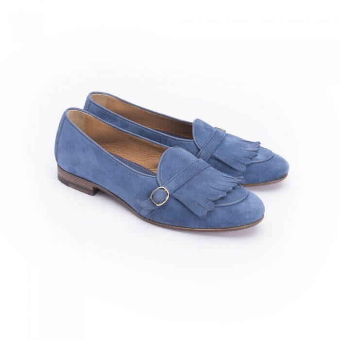 Loafer with buckle