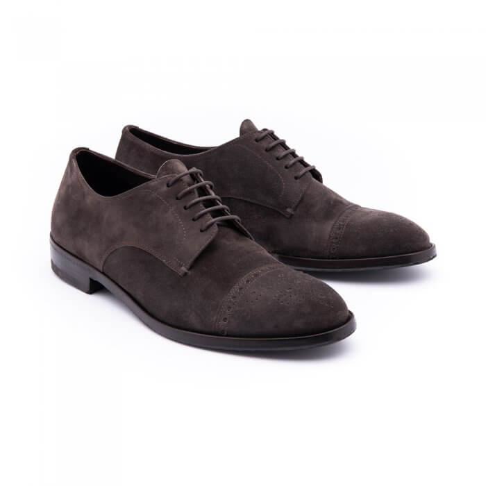 Lace-up shoe in soft ebony inverted calf